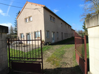 French property, houses and homes for sale inLuçay-le-MâleIndre Centre