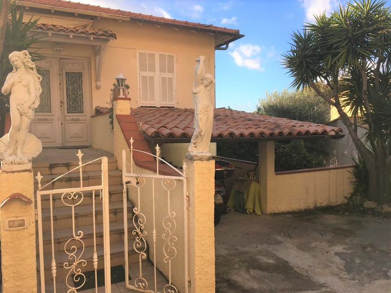 French property for sale in Menton, Alpes Maritimes - €640,000 - photo 2