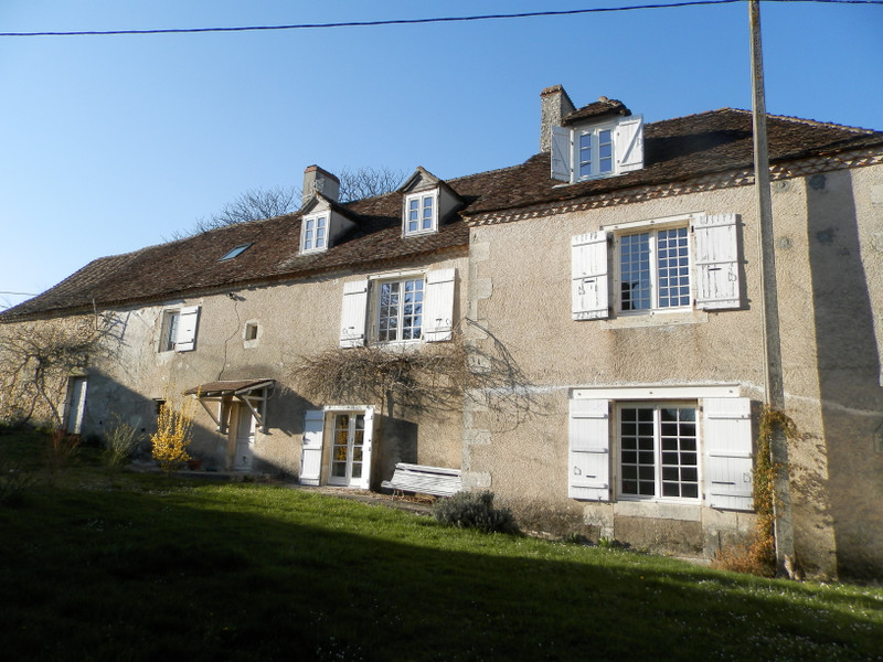 French property for sale in Limeyrat, Dordogne - €472,500 - photo 2
