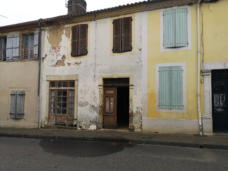 French property for sale in Bassoues, Gers - €36,600 - photo 3