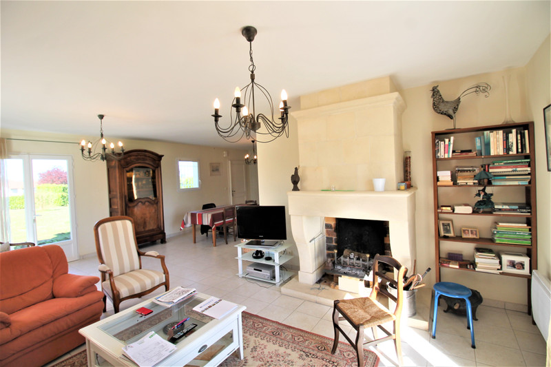 French property for sale in Luxé, Charente - €256,800 - photo 5