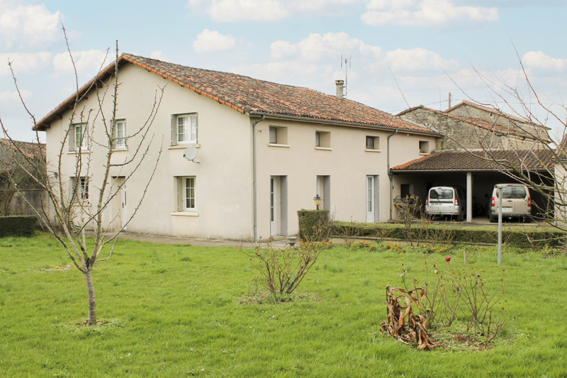 French property for sale in Lichères, Charente - €152,600 - photo 2