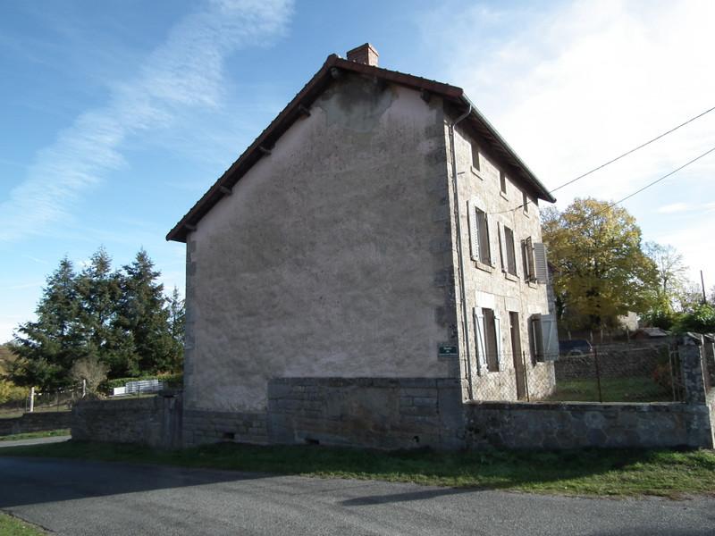 Maison à vendre à Auzances, Creuse - 25 000 € - photo 3