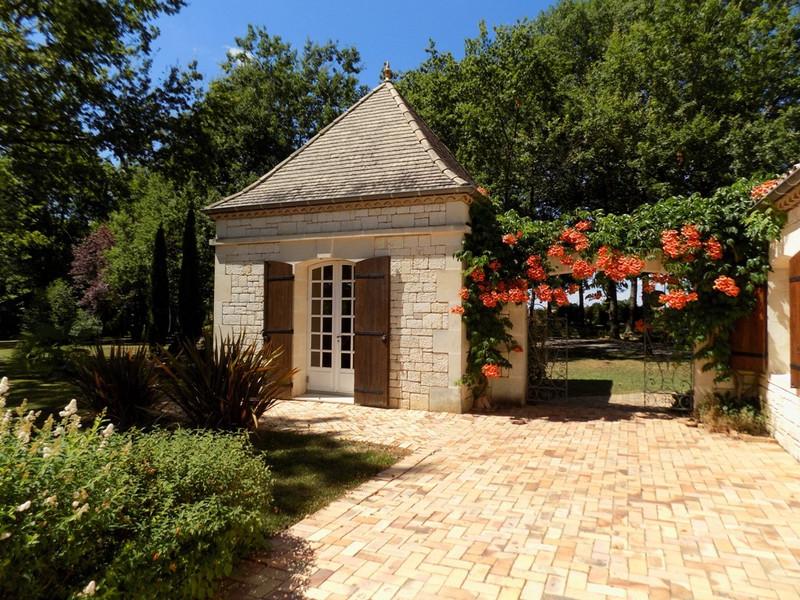 French property for sale in Villeréal, Lot et Garonne - €435,000 - photo 2