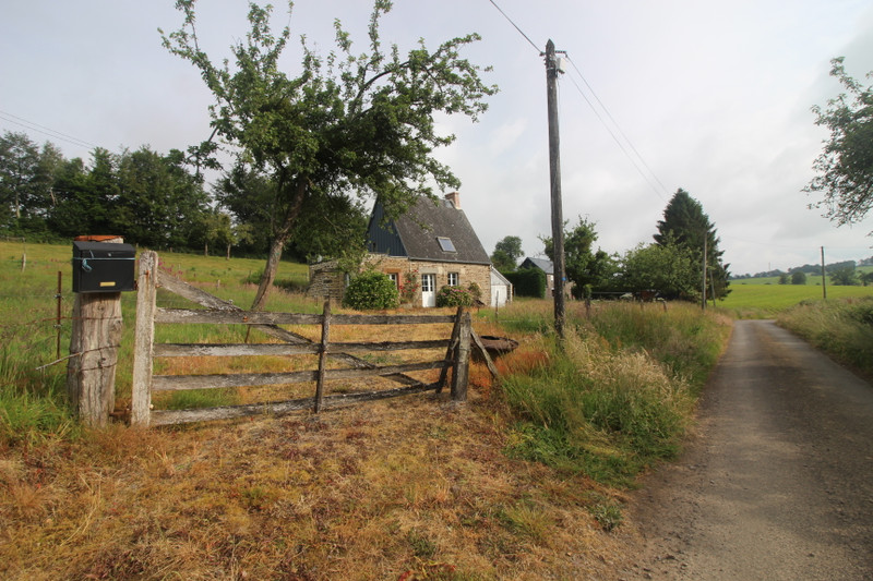 French property for sale in Vire, Calvados - €77,000 - photo 2