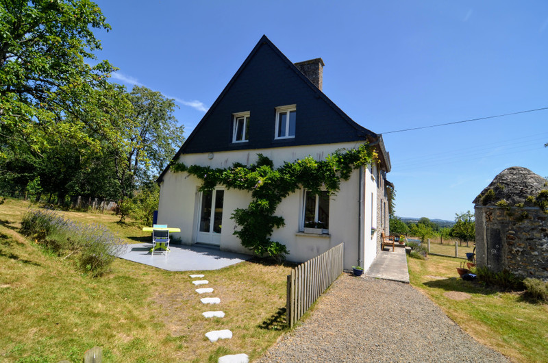 French property for sale in Saint-Georges-de-Livoye, Manche - €169,600 - photo 4