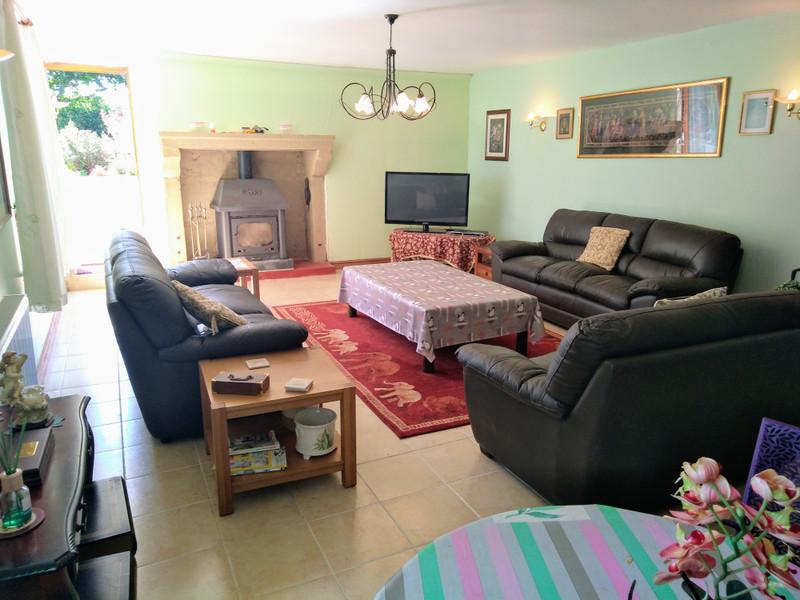 French property for sale in Saint-Pardoux, Deux Sevres - €256,800 - photo 4