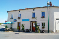French property, houses and homes for sale inVernoux-en-GâtineDeux_Sevres Poitou_Charentes