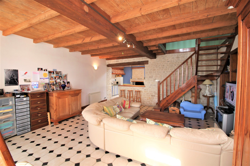 French property for sale in Varaize, Charente-Maritime - €130,800 - photo 3