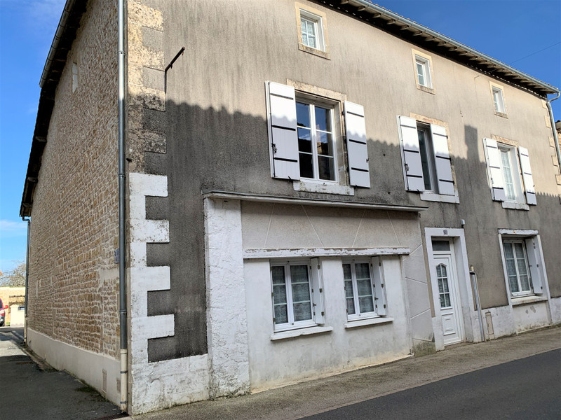 French property for sale in Lezay, Deux Sevres - €235,400 - photo 8