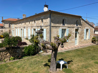 French property, houses and homes for sale in Couquèques Gironde Aquitaine