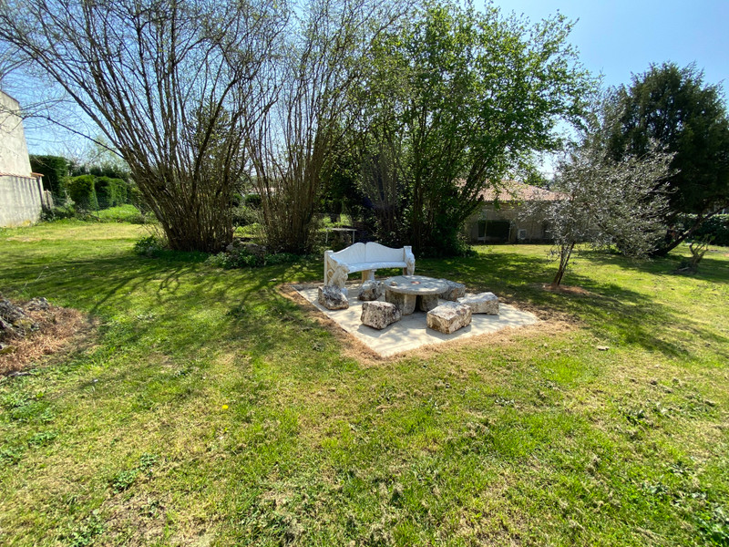 French property for sale in Écoyeux, Charente-Maritime - €334,000 - photo 9