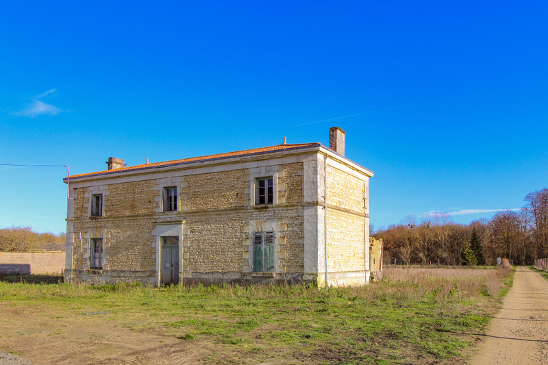 French property for sale in Monts-sur-Guesnes, Vienne - €66,000 - photo 5