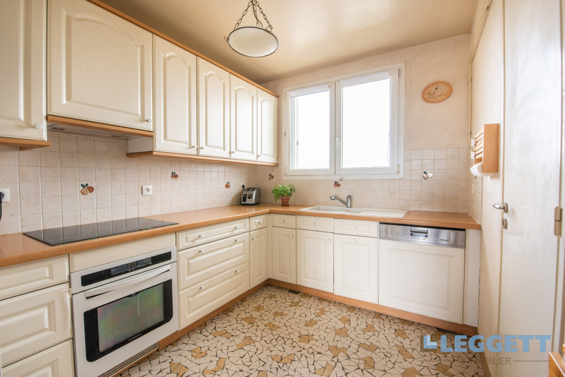French property for sale in Thiais, Val-de-Marne - €365,000 - photo 7