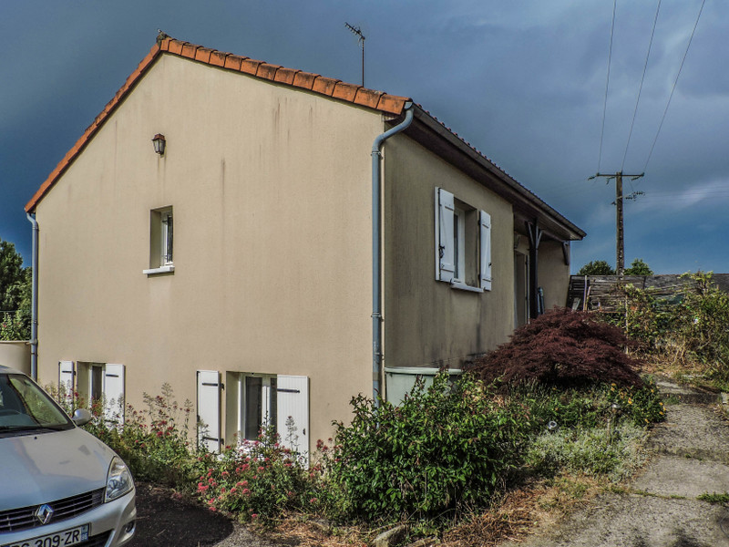 French property for sale in Charroux, Vienne - €84,700 - photo 2