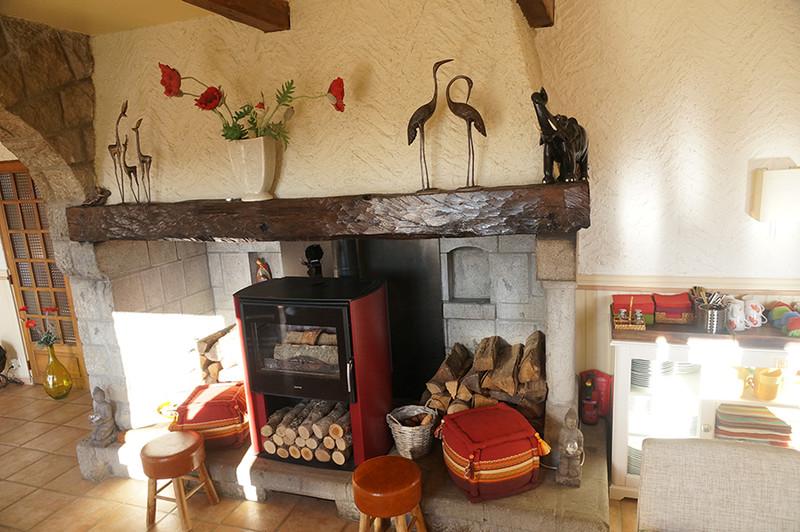 Commerce à vendre à Riom-ès-Montagnes, Cantal - 424 000 € - photo 4