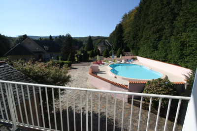 Stunning gite complex and main residence, set in beautiful countryside, only 10 mins drive from Mazamet. Spectacular.