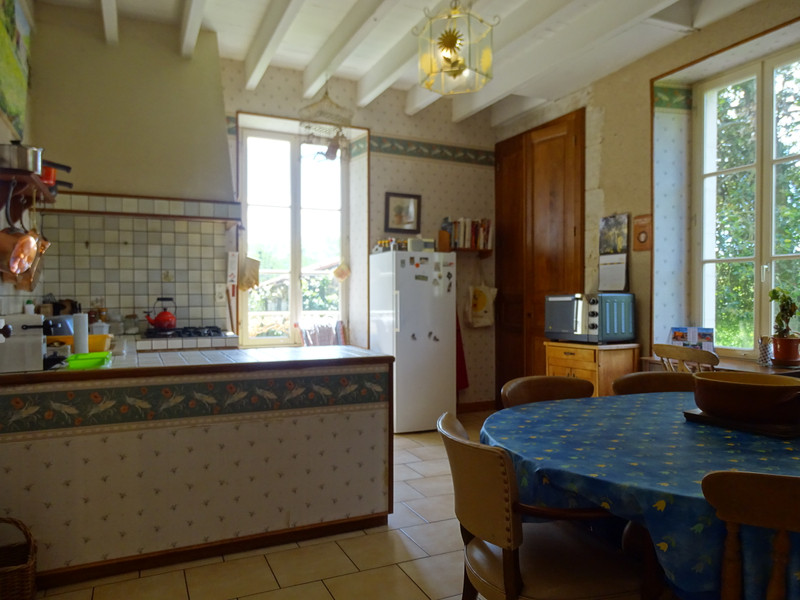 Maison à vendre à Aigonnay, Deux-Sèvres - 299 600 € - photo 6