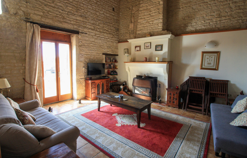 French property for sale in Fontaine-Chalendray, Charente-Maritime - €119,900 - photo 5