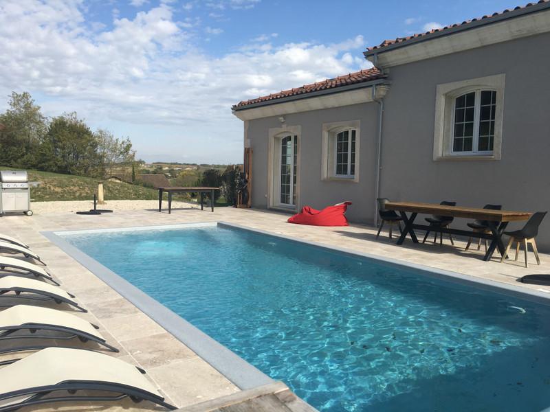 French property for sale in Monbahus, Lot et Garonne - €424,000 - photo 2