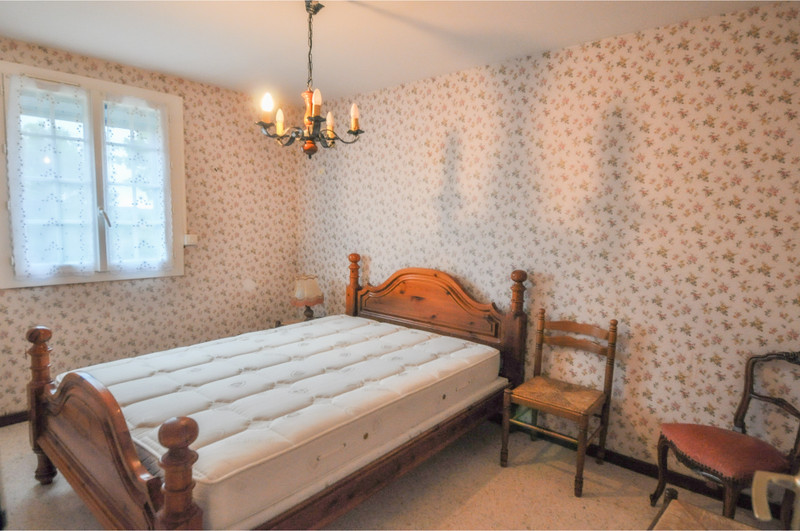 French property for sale in Reillanne, Alpes-de-Hautes-Provence - €230,400 - photo 8