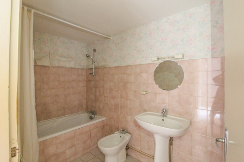 French property for sale in Angliers, Vienne - €77,000 - photo 9