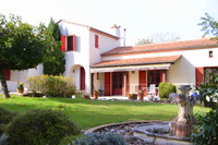 French property, houses and homes for sale inPinel-HauteriveLot-et-Garonne Aquitaine