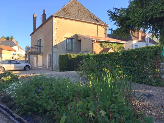 French property for sale in Saint-Saturnin, Cher - €99,000 - photo 3