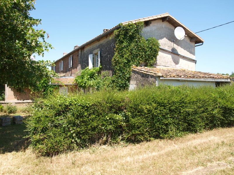 French property for sale in Melle, Deux-Sèvres - €144,950 - photo 3