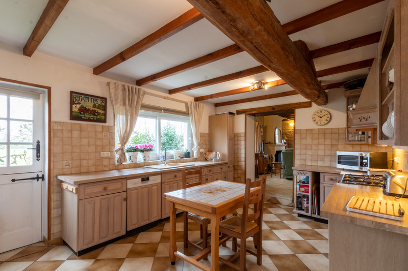 French property for sale in Migron, Charente-Maritime - €284,500 - photo 4