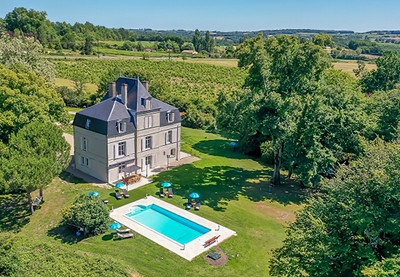 This sumptuous Château - family home - was entirely renovated in 2018 keeping all the authentic elements which give it its charm - a real labour of love.