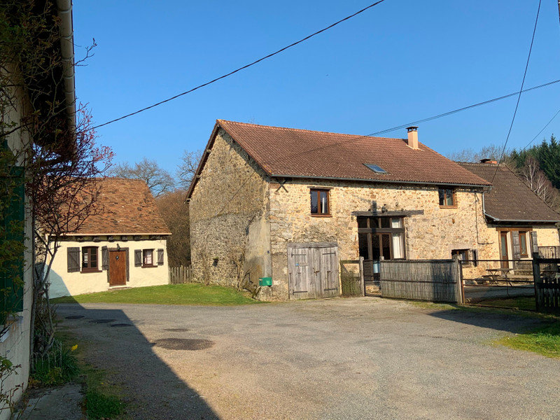 French property for sale in Bussière-Galant, Haute Vienne - €335,001 - photo 2