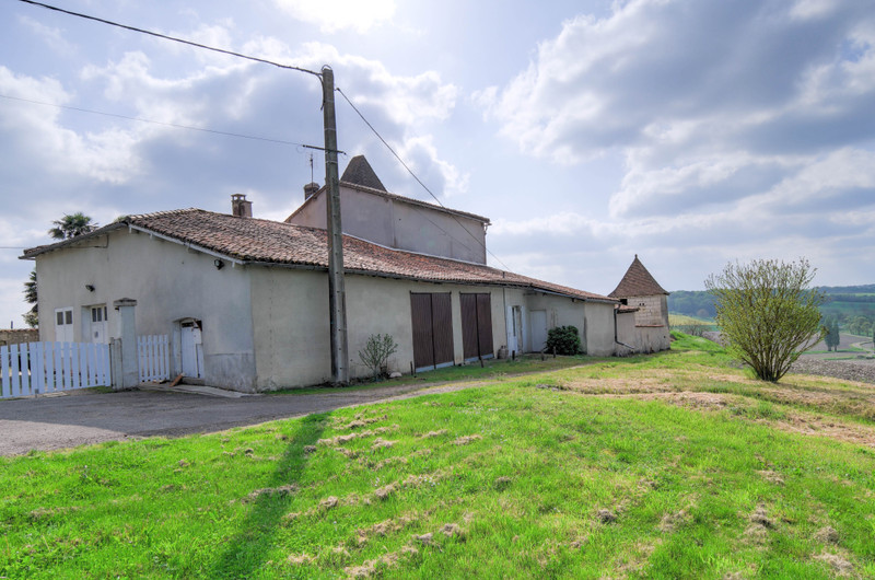 French property for sale in Brie-sous-Chalais, Charente - €310,000 - photo 6