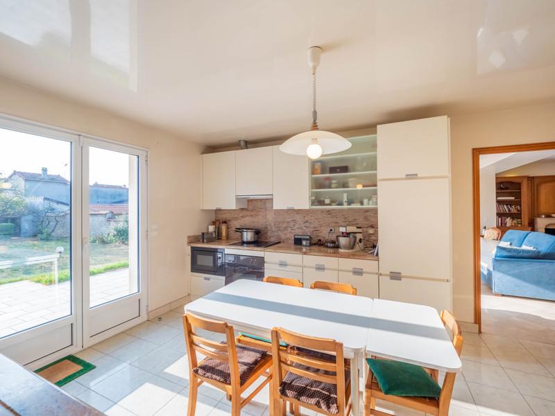 French property for sale in Saint-Maur-des-Fossés, Val de Marne - €1,395,000 - photo 3