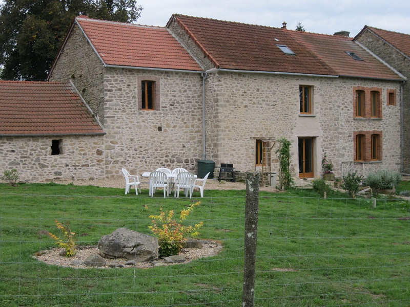 French property for sale in Lafat, Creuse - €205,200 - photo 2