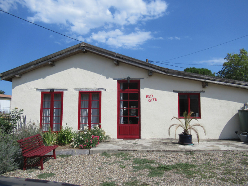 French property for sale in Tonneins, Lot-et-Garonne - €375,000 - photo 2