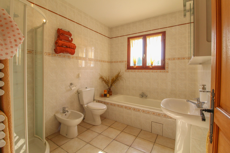 French property for sale in Ouzilly, Vienne - €195,000 - photo 10