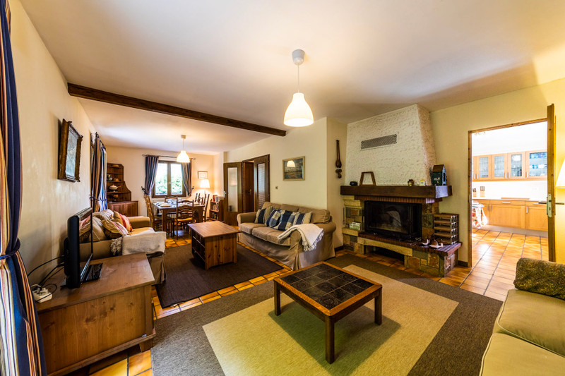 French property for sale in Morzine, Haute-Savoie - €575,000 - photo 3