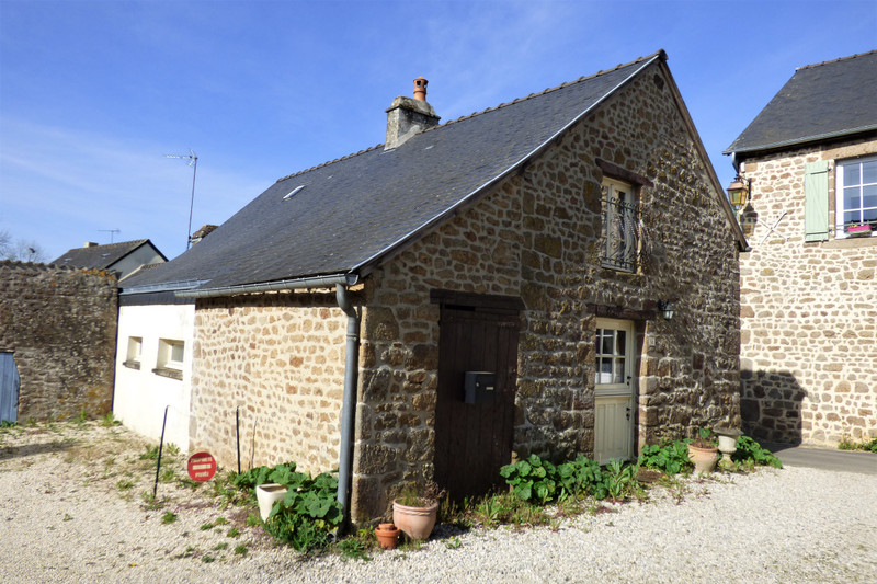 French property for sale in Lassay-les-Châteaux, Mayenne - €56,600 - photo 2