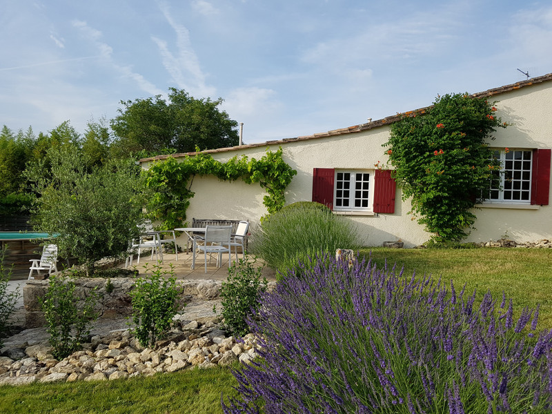French property for sale in Saint-Émilion, Gironde - €389,000 - photo 2