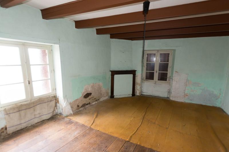 French property for sale in Asnières-sur-Blour, Vienne - €51,000 - photo 4