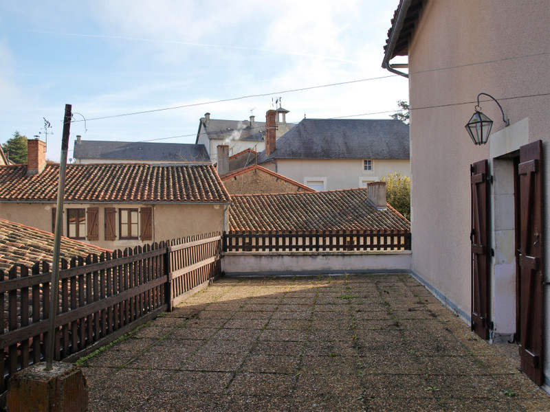French property for sale in Saint-Romain, Vienne - €99,000 - photo 3