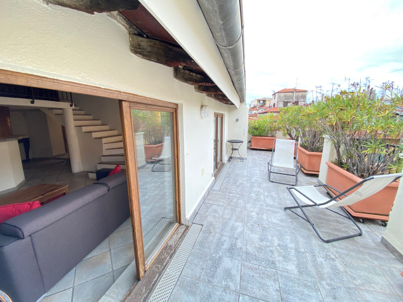 French property for sale in Nice, Alpes-Maritimes - €430,000 - photo 2
