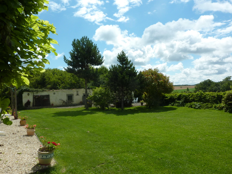 French property for sale in Blanzac-Porcheresse, Charente - €299,980 - photo 3