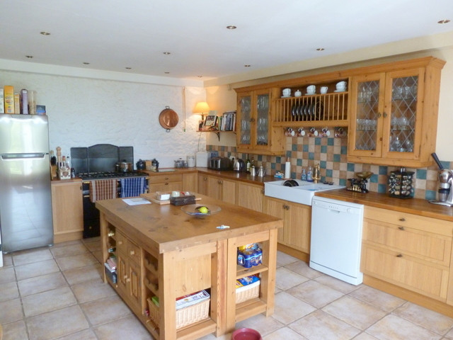 French property for sale in Glomel, Cotes d Armor - €310,300 - photo 2