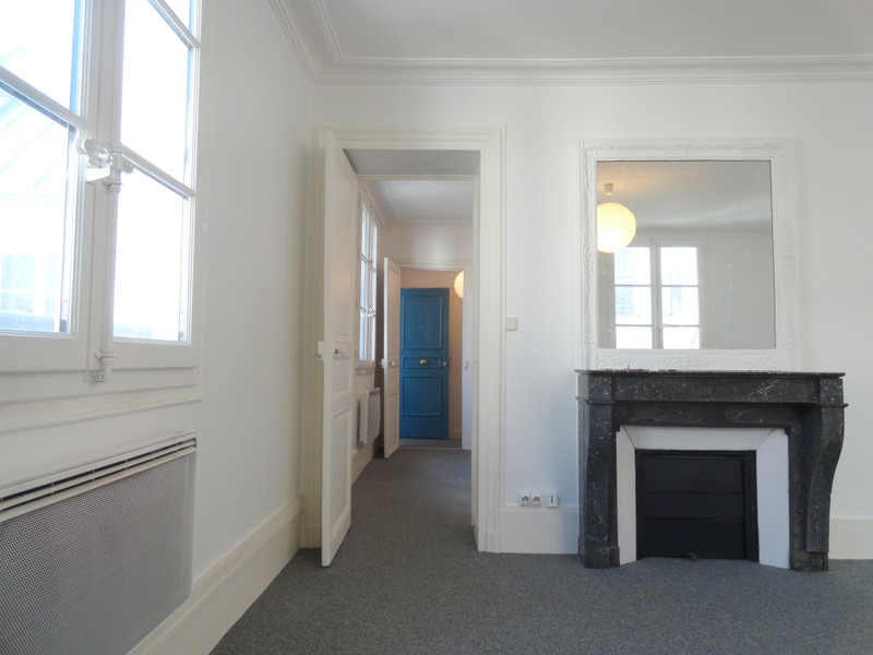 French property for sale in Paris 3e Arrondissement, Paris - €527,000 - photo 7