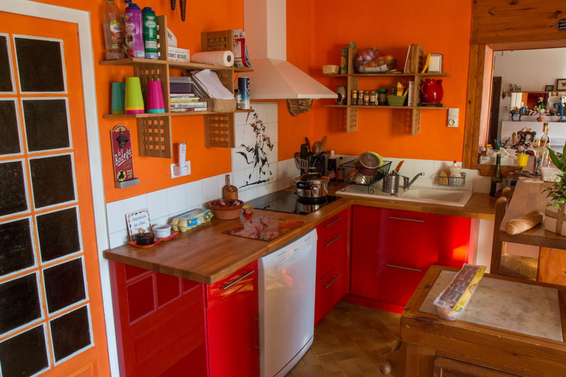 French property for sale in Barbezieux-Saint-Hilaire, Charente - €382,000 - photo 5