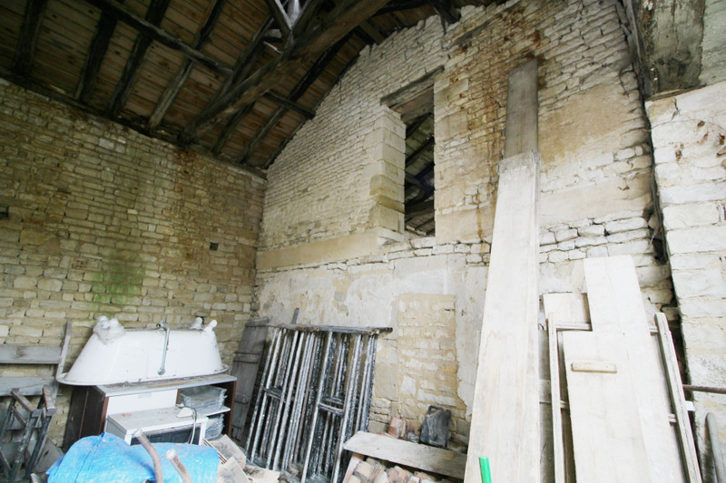 French property for sale in Romazières, Charente-Maritime - €12,000 - photo 7
