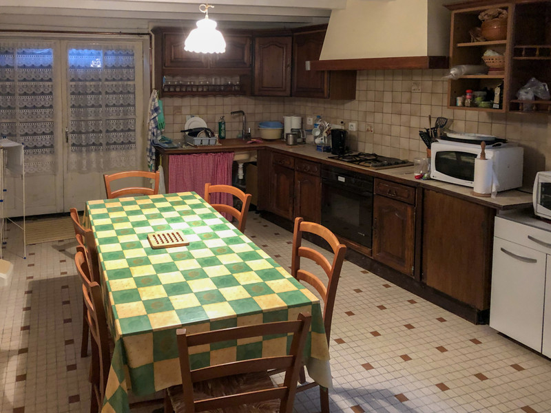 French property for sale in Courcelles, Charente-Maritime - €98,100 - photo 4
