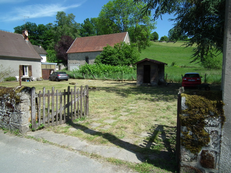 French property for sale in Aubusson, Creuse - €104,500 - photo 2